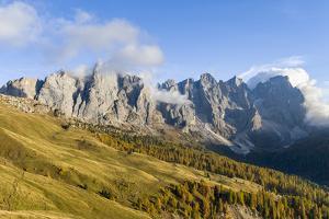 Cimon della Pala, Cima della Vezzana, Cima dei Bureloni. Peaks towering over Val Venegia. by Martin Zwick