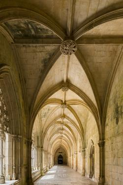Claustro Real, the royal cloister, Mosteiro de Santa Maria da Vitoria, Portugal. by Martin Zwick