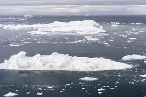 Ilulissat Icefjord also called kangia or Ilulissat Kangerlua, view over Disko Bay. by Martin Zwick