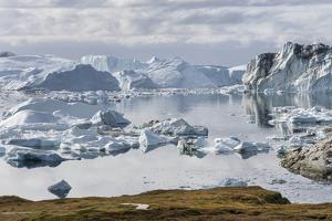 Ilulissat Icefjord also called kangia or Ilulissat Kangerlua. by Martin Zwick