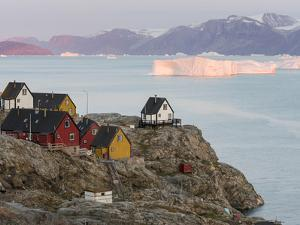 Small town of Uummannaq and glaciated Nuussuaq Peninsula in the background. Greenland by Martin Zwick