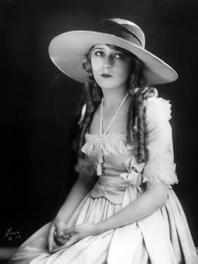 Mary Pickford, 1923
