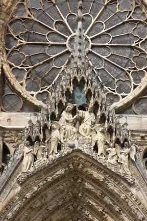 https://imgc.allpostersimages.com/img/posters/mary-s-coronation-mary-s-gate-reims-cathedral-reims-marne-france_u-L-Q1GYGZ20.jpg?artPerspective=n