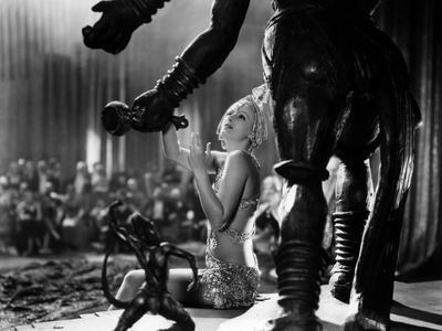 https://imgc.allpostersimages.com/img/posters/mata-hari-1932-directed-by-george-fitzmaurice-greta-garbo-b-w-photo_u-L-Q1C10U80.jpg?artPerspective=n