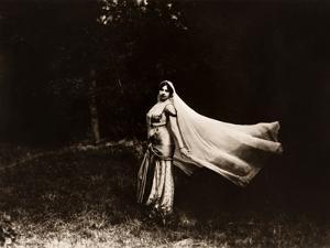 Mata Hari dancing, ca. 1910