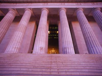 Lincoln Memorial, Washington DC by Matthew Borkoski