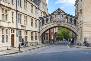 Bridge of Sighs, Hertford College, Oxford, Oxfordshire, England, United Kingdom, Europe by Matthew Williams-Ellis