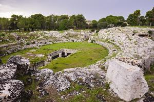 Roman Amphitheatre at Syracuse (Siracusa), UNESCO World Heritage Site, Sicily, Italy, Europe by Matthew Williams-Ellis