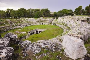 Roman Amphitheatre at Syracuse (Siracusa), UNESCO World Heritage Site, Sicily, Italy, Europe by Matthew Williams-Ellis