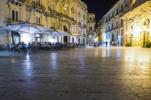Tourists Eating at a Restaurant in Piazza Duomo at Night by Matthew Williams-Ellis