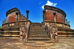Ancient  Polonnaruwa Temple - Medieval Capital of Ceylon,Unesco World Heritage Site by Maugli-l