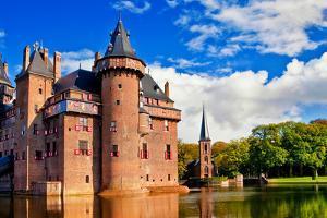 Beautiful Romantic Holland Castle on Water De Haar by Maugli-l