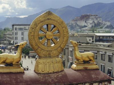 View of the Potala from Jokhant (Jokhang) Temple, Lhasa, Tibet, China, Asia