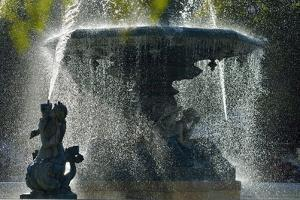 Fountain dating back to 1889, in the centre of the Praca Dom Pedro IV, with mythological statues. R by Mauricio Abreu