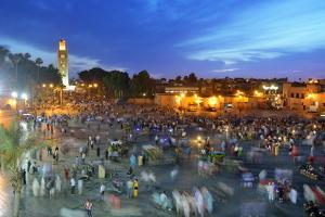 Koutoubia Minaret at Dusk and Djemaa El-Fna Square. Marrakech, Morocco by Mauricio Abreu