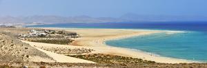 Playa De Sotavento De Jandia, Fuerteventura, Canary Islands by Mauricio Abreu