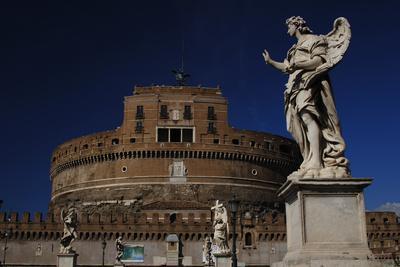 https://imgc.allpostersimages.com/img/posters/mausoleum-of-emperor-hadrian-or-castle-sant-angelo-rome_u-L-PW31EQ0.jpg?p=0