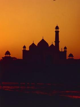 Mausoleum of Taj Mahal at Sunset