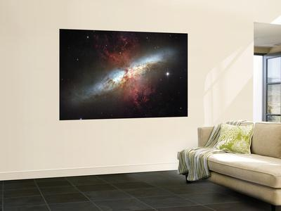 https://imgc.allpostersimages.com/img/posters/may-2006-image-of-the-magnificent-starburst-galaxy-messier-82-m82_u-L-PFHCSU0.jpg?artPerspective=n