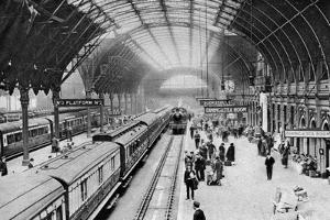Paddington Station, London, 1926-1927 by McLeish