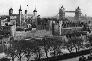 The Tower of London, 1926-1927 by McLeish