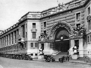 Waterloo Station, London, 1926-1927 by McLeish