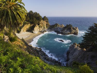 https://imgc.allpostersimages.com/img/posters/mcway-falls-mcway-cove-julia-pfeiffer-burns-state-park-california-usa_u-L-Q11YS2H0.jpg?p=0