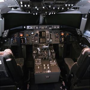 medium-range Boeing 757 Cockpit