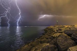 When Lightning Strikes by Mehdi Momenzadeh