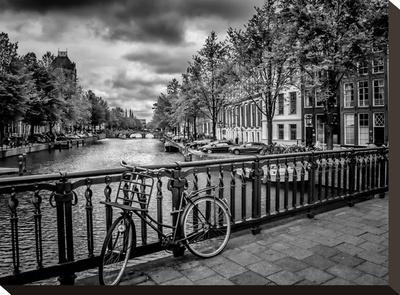 Amsterdam Gentlemen's Canal by Melanie Viola