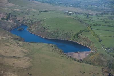 https://imgc.allpostersimages.com/img/posters/meldon-reservoir-dartmoor-devon-england-united-kingdom-europe_u-L-PNFQU80.jpg?artPerspective=n