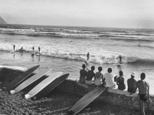 Members of the Waikiki Club Surf Riding