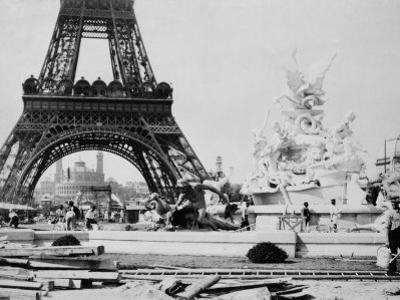 Men Building the Fountain St. Vidal near the Eiffel Tower, Paris Exposition, c.1889