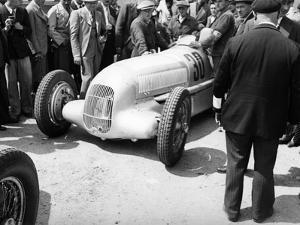 Mercedes-Benz W25 at the French Grand Prix, Montlhery, 1934