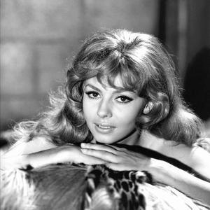 MERVEILLEUSE ANGELIQUE, 1965 directed by BERNARD BORDERIE Michele Mercier (b/w photo)