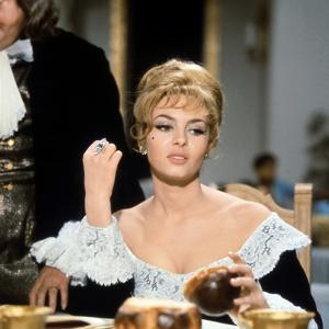 MERVEILLEUSE ANGELIQUE, 1965 directed by BERNARD BORDERIE Michele Mercier (photo)