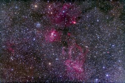 https://imgc.allpostersimages.com/img/posters/messier-52-and-the-bubble-nebula-in-cassiopeia_u-L-PU23C30.jpg?artPerspective=n