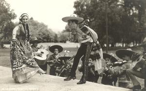 Mexican Hat Dance, Photo