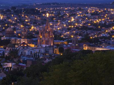 https://imgc.allpostersimages.com/img/posters/mexico-san-miguel-de-allende-city-view-with-parroquia-archangel-church_u-L-Q1D0AFL0.jpg?artPerspective=n