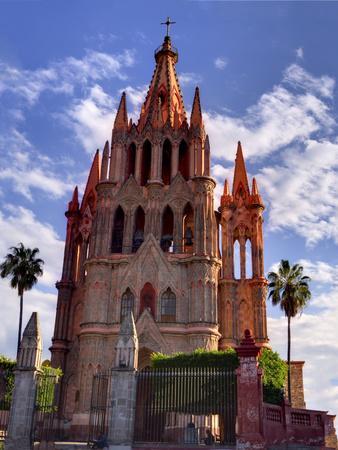 https://imgc.allpostersimages.com/img/posters/mexico-san-miguel-de-allende-parroquia-archangel-church_u-L-Q1D07CO0.jpg?p=0