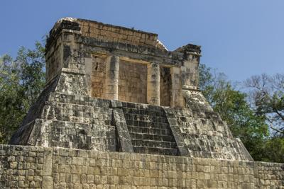https://imgc.allpostersimages.com/img/posters/mexico-yucatan-chichen-itza_u-L-Q1CZOR90.jpg?artPerspective=n