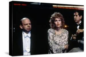 Mia Farrow and Tony Roberts RADIO DAYS, 1987 directed by Woody Allen (photo)