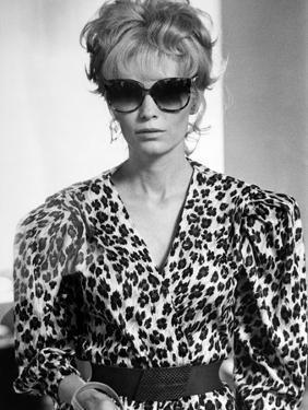 Mia Farrow BROADWAY DANNY ROSE, 1984 directed by Woody Allen (b/w photo)