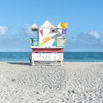 https://imgc.allpostersimages.com/img/posters/miami-beach-v_u-L-Q11B2660.jpg?artPerspective=n