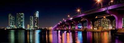 https://imgc.allpostersimages.com/img/posters/miami-skyline-along-the-macarthur-causeway-bridge_u-L-F5BD700.jpg?p=0