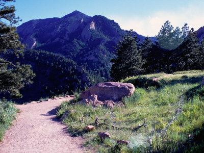 Path to Mountains, Boulder