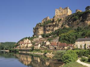Beynac, Aquitaine, Dordogne, France by Michael Busselle