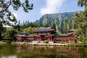 Byodo-In Temple, Valley of the Temples, Kaneohe, Oahu, Hawaii, United States of America, Pacific by Michael DeFreitas