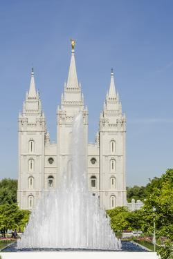 Fountain with Salt Lake Temple, Temple Square, Salt Lake City, Utah by Michael DeFreitas
