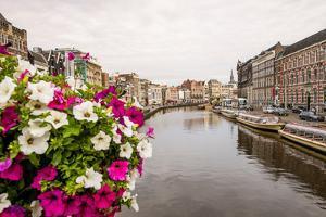 Rokin canal, Amsterdam, Holland, Netherlands. by Michael DeFreitas